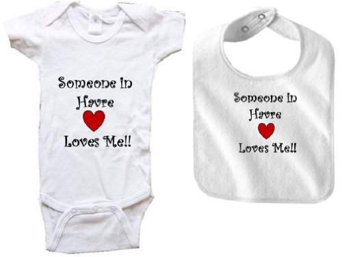 SOMEONE IN HAVRE LOVES ME - HAVRE BABY - 2 Piece Baby-Set - City-series - White Baby One Piece Bodysuit / Baby T-shirt and White Bib - size Newborn (0-6M) Battle 4 Piece Body