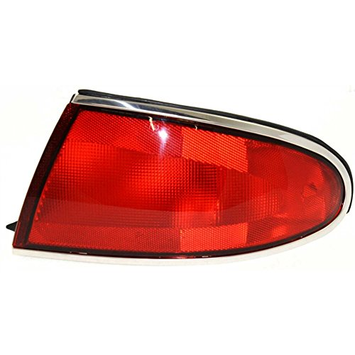 Evan-Fischer EVA15672012669 Tail Light for Buick Century 97-05 Lens and Housing Right (Buick Tail Light Lens)