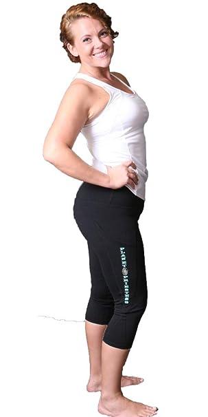 Amazon.com: Capri - Pantalones de yoga para mujer + consigue ...