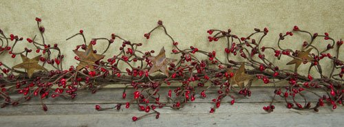 (Pip Berry Garland with Rusty Stars - Burgundy & Red)