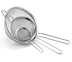 Cuisinart colanders deliver superior drainage for excellent results. A versatile workhorse in the kitchen, The set of 3 strainers is perfect for sifting and straining wet or dry ingredients. Our collection of strainers and colanders are dishwasher sa...