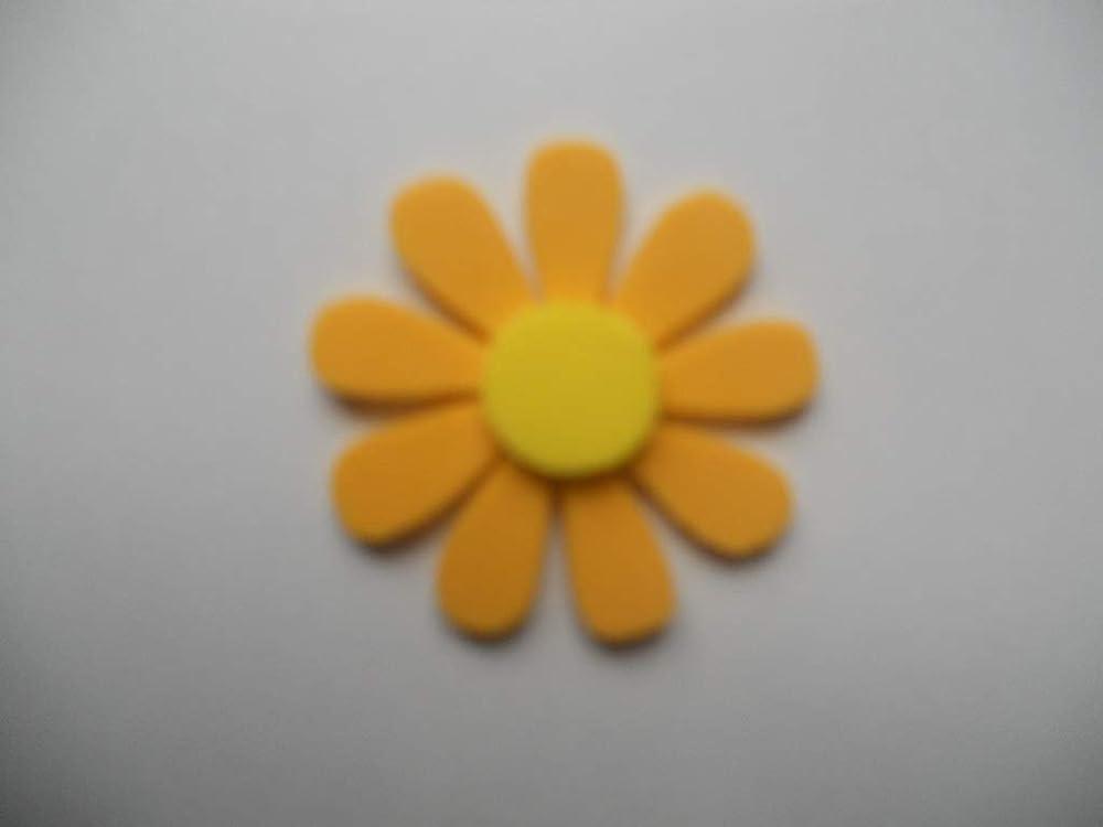 10 Flores de goma eva con 9 pétalos color amarillo oscuro y ...
