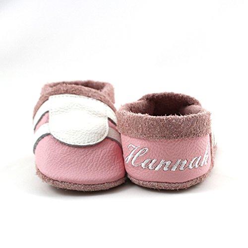 little foot company®, handgemachte Markenqualität aus Deutschland, weiches Komfortleder, Krabbelschuhe, Babypuschen, personalisiert mit Namen, individuell bestickt in rosa