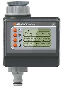 Programador de riego EasyControl de GARDENA: control automático del riego, riego diario o cada 2, 3 o 7 días, hasta tres riegos al día, pantalla LCD, funciona por batería (1881-20)