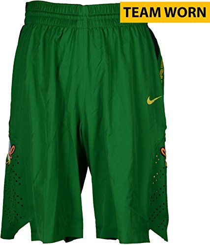 2013 Basketball Shorts (Oregon Ducks Team-Worn Men's Basketball Green and Black Shorts Used Between The 2011-2016 Seasons - Size 42+4 - Fanatics Authentic Certified)