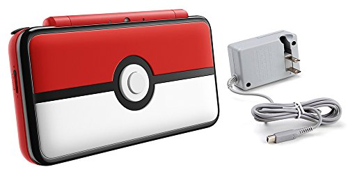 le (2 Items): Nintendo New 2DS XL - Poke Ball Edition and Tomee AC Adapter ()