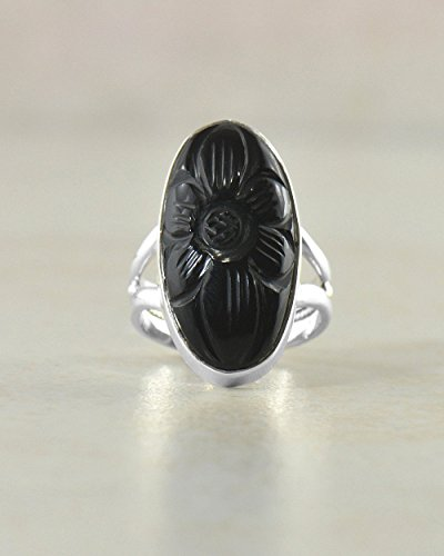 (SIVALYA Engraved Black Onyx Oval 925 Sterling Silver Ring - Size 6 - Polished Finish in Solid Silver)