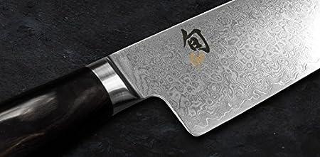 KAI Shun Premier Tim Mälzer Minamo Santoku, 32 capas de acero de Damasco, mango negro, TMM-0702