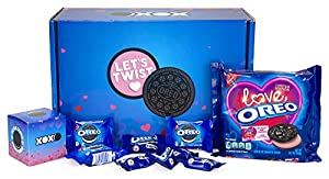 OREO Valentine's Day Exchange Kit – 25 Count Exchange Cards including Cookie & Chocolate Treats plus Limited Edition OREO Love Cookies, 10.7oz