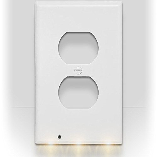 SnapPower Guidelight - Outlet Coverplate with LED Night Lights (Duplex, White) by SnapPower