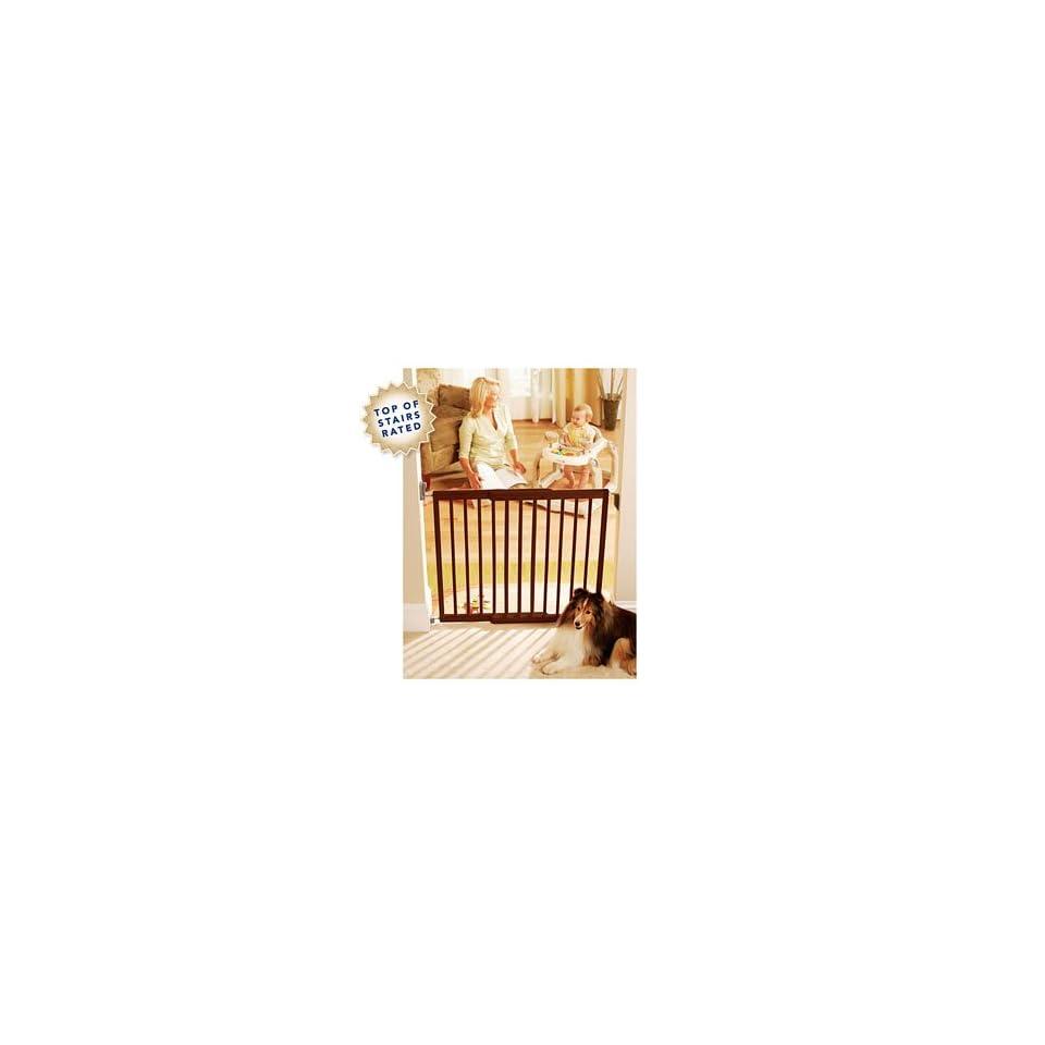 Kolcraft Simple Shut Wooden Safety Gate