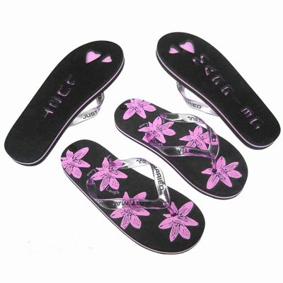 0ed487646998 X47 - Honeymoon Just Married Pair of Flip Flops Medium Ladies Black Floral  Design UK 5-6 EU 38-39  Amazon.co.uk  Kitchen   Home