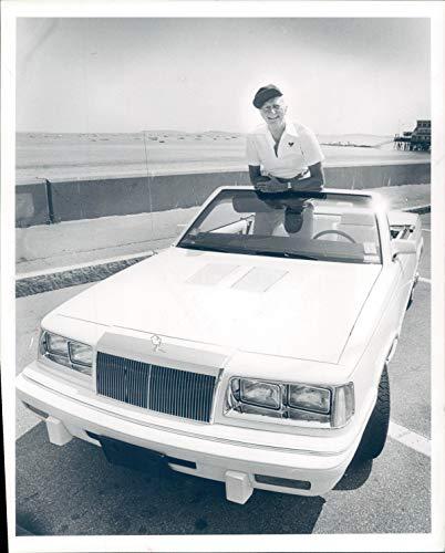 (Vintage Photos 1986 Press Photo Chrysler Lebaron Leo Pilachowski Baby Turbo Convertible)