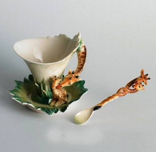 Franz Porcelain Giraffe Design Sculptured Porcelain Cup/Saucer Set wth Spoon ()