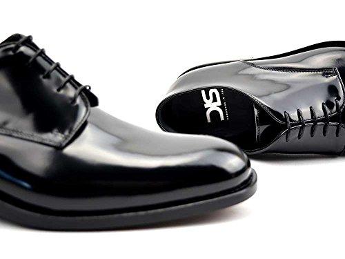 Pertini - Derby Uomo Pelle Lucido Nero Derby uomo personalizzata in pelle lucido nero, fatto a mano e su misura, made in Italy.