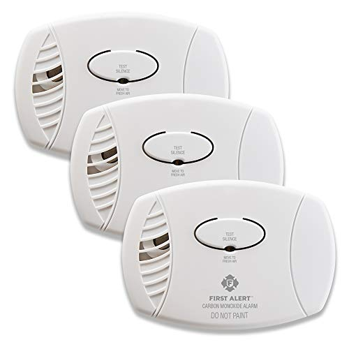 First Alert Plug-In Carbon Monoxide Detector with Battery Backup, 3-Pack, CO605