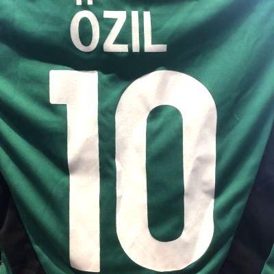 精算表向き重くする?代引可?子供用 K115 ドイツ OZIL*10 エジル 緑 15 ゲームシャツ パンツ付