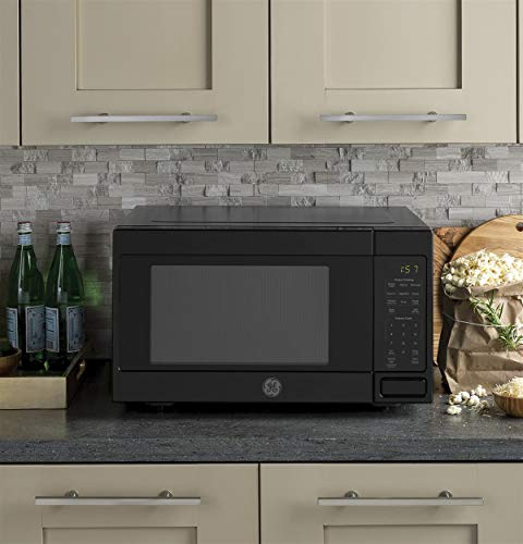 GE JES1657DMBB Microwave Oven by GE (Image #1)