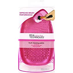Real Techniques Heat Resistent Brush Cleansing Palette, For Removing Makeup, Oil, and Impurities from Brush Bristles for a Truer, More Consistent Color Application; 0.32 Ounce
