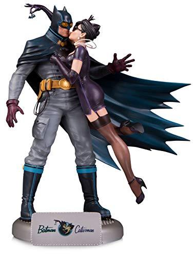 (DC Bombshells: Batman & Catwoman Deluxe Statue)