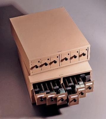 Quincy Lab 100SCK-B Beige Steel Slide Cabinet