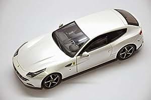 1/18 Ferrari FF WHITE DIECAST MODEL CAR