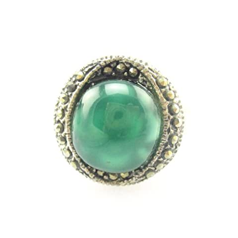 Vintage Design Marcasite Sterling Silver Ring with 11mm Green Agate Ring Size 7 (Marcasite Rings Size 11)