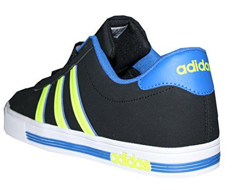 adidas Daily Team, Zapatillas de Deporte para Hombre Negro / Amarillo / Azul (Negbas / Amasol / Azul)