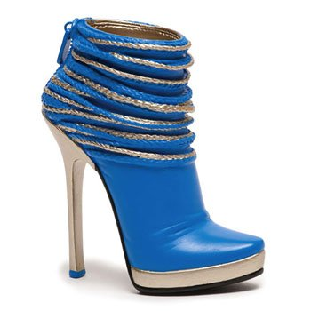 Reverie Just the Right Shoe Collectible