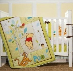 Disney Retro Pooh 3 Piece Bedding Set
