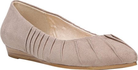 Fergalicious Polly Femmes US 9 Beige Chaussure Plate
