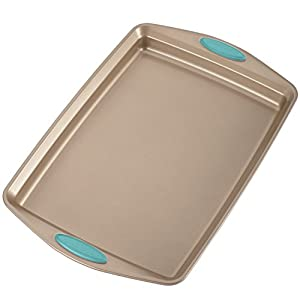 Rachael Ray 46179 Cucina Nonstick Bakeware Set with Grips includes Nonstick Bread Pan, Baking Pan, Cookie Sheet and Cake Pans – 5 Piece, Latte Brown with Agave Blue Handle Grips