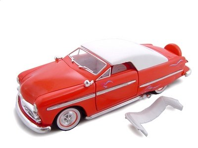 1949 Ford Convertible Red Diecast Model 1/24 ()