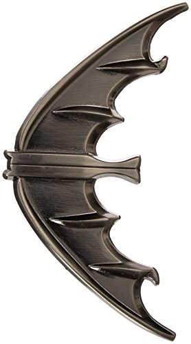 Replica Batarang (DIAMOND SELECT TOYS Batman Classic 1966 TV Series: Batarang Metal Bottle Opener)