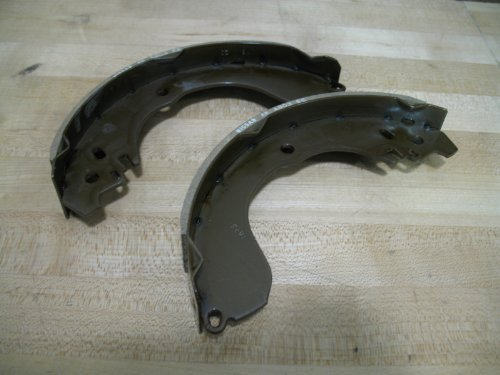 Nissan Genuine Rear Brake Shoe set 44060-4M425