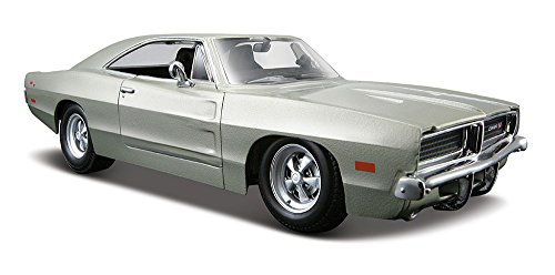 Maisto 1:25 Scale 1969 Dodge Charger R/T Diecast Vehicle (Colors May Vary) 25 1969 Dodge Charger