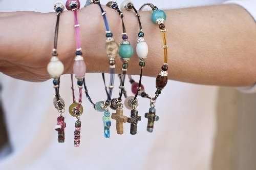 Bracelet Calypso Studios - Calypso Studios Inc. Bracelet - Comforting Clay Cross - Asst Sizes & Styles