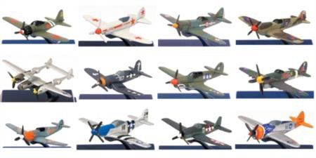 New Ray 06687 WWII Fighter Plane Asst (24) Mig Fighter Planes