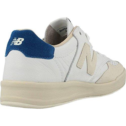 Calzado deportivo para hombre, color Beige , marca NEW BALANCE, modelo Calzado Deportivo Para Hombre NEW BALANCE CRT300 WL Beige blanco