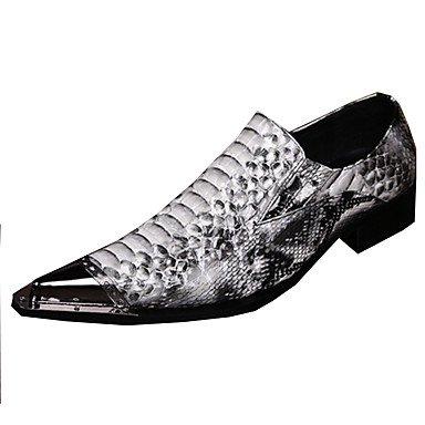 Zormey Men'S Flats Spring Summer Fall Winter Comfort Novelty Leather Wedding Party &Amp; Evening Flat Heel Rivet Animal Print White Walking White Us8 / Eu40 / Uk7 / Cn41 US10.5 / EU43 / UK9.5 / CN45