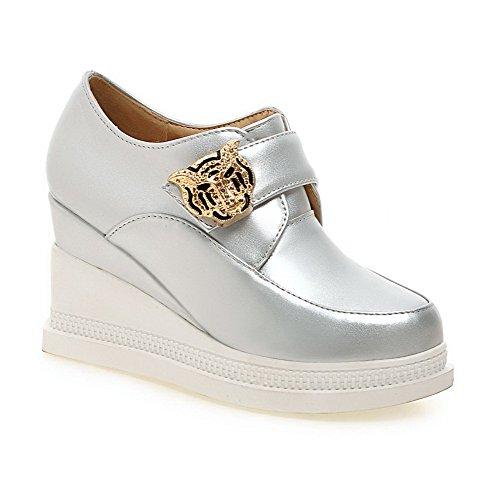 AgooLar Damen Ziehen auf Rund Zehe Hoher Absatz PU Eingelegt Pumps Schuhe Silber