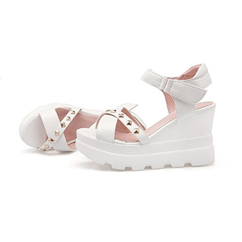 Amoonyfashion Dames Haak En Lus Open Teen Hoge Hak Pu Massieve Sandalen Met Klinknagel Wit