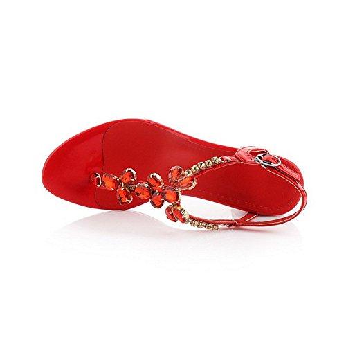 AllhqFashion Mujeres Puntera Dividida Hebilla Cuero Sólido Tacón ancho Sandalia Rojo