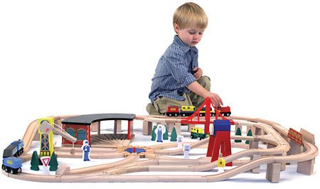 Melissa & Doug Toys - Wooden Railway Set by Melissa & Doug