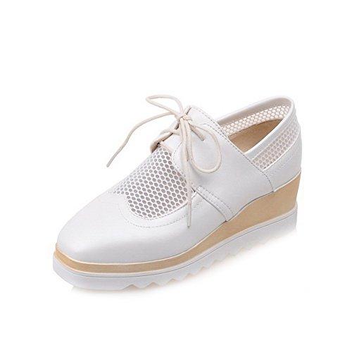 AllhqFashion Damen PU Leder Mittler Absatz Quadratisch Zehe Rein Schnüren Pumps Schuhe Weiß