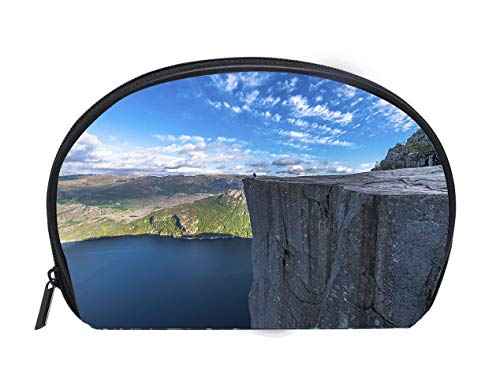 (Custom design Portable Toiletry Cosmetic Bag Tourist sitting at Famous Pulpit Rock edge in Norway Ladies Travel Convenience Small Wash Bag Storage Bag)