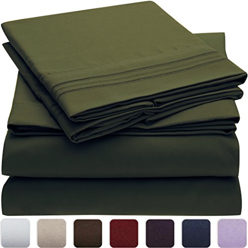 Mellanni Bed Sheet Set - HIGHEST QUALITY Brushed Microfiber 1800 Bedding - Wrinkle, Fade, Stain Resistant - Hypoallergenic - 4 Piece (King, Emerald Green) Green Day Christmas