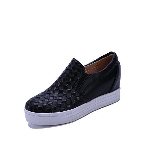 AllhqFashion Damen Niedriger Absatz Weiches Material Rein Ziehen auf Rund Zehe Pumps Schuhe Schwarz