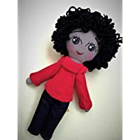 Muñeca de tela diseñada, elaborada y pintada a mano.