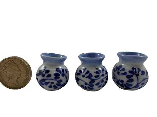 Mr_air_thai_Miniature 3Pc Lot Miniature Vase Ceramic Set Vintage Dollhouse Furniture White and Blue
